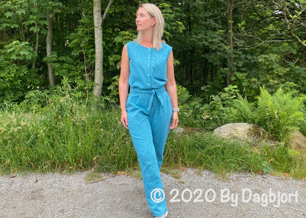 Sewing womens clothes using pdf sewing patterns by indie sewing pattern designers.